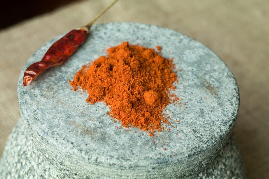 Pimientas de Cayena entera y molida