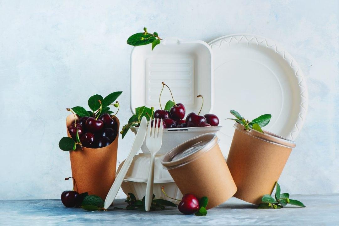 envases para delivery con cerezas