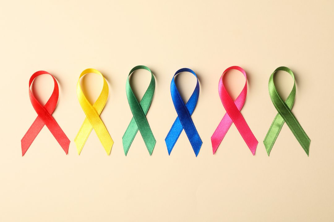 Cintas de colores de acciones solidarias