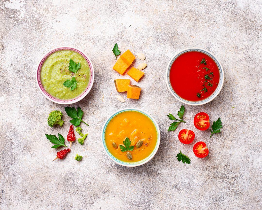 Composición para fotografía gastronómica de sopas