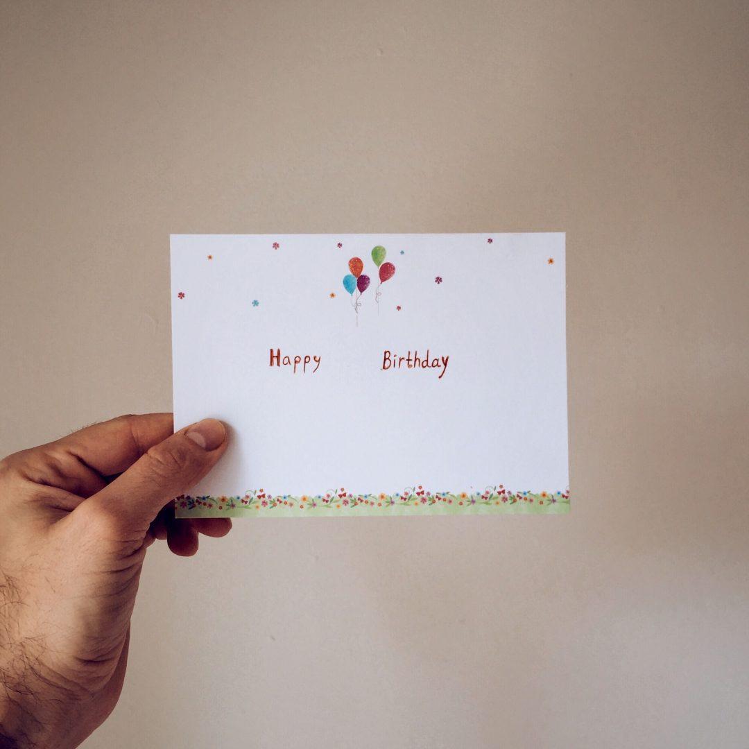 Tarjeta de feliz cumpleaños para los clientes y aumentar las ventas en tu restaurante